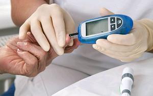 Diabetes tipo 2 afeta a forma como o corpo processa o açúcar do sangue.